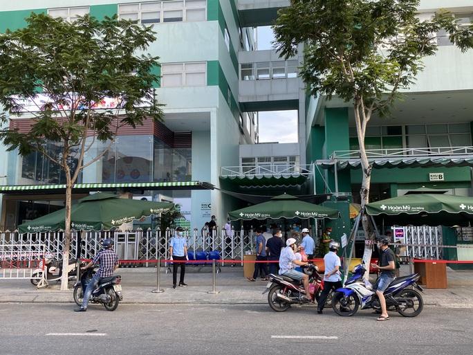 Đà Nẵng có ca dương tính với SARS-CoV-2 trong cộng đồng, cử công an giám sát Bệnh viện Hoàn Mỹ - Ảnh 4.