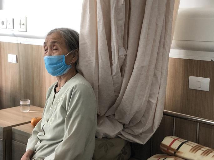 Chuyển 151 F1 của ca bệnh Covid-19 siêu lây nhiễm đến Bệnh viện Bạch Mai cơ sở 2 - Ảnh 9.