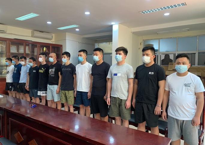2 nữ sinh viên xinh đẹp làm nội gián cho nhiều người Trung Quốc nhập cảnh trái phép - Ảnh 2.