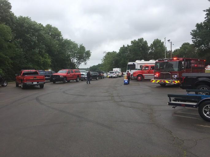Mỹ: Máy bay lao xuống hồ, 7 người nghi thiệt mạng - Ảnh 4.
