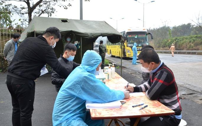 Phát hiện 91 người từ tâm dịch Bắc Giang, Bắc Ninh về Lào Cai - Ảnh 1.