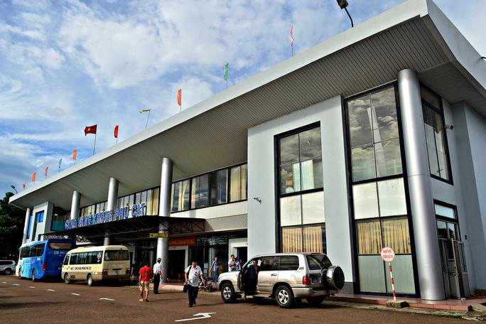 Kết quả xét nghiệm 30 người ở Bình Định đi cùng chuyến bay ca mắc Covid-19 - Ảnh 1.