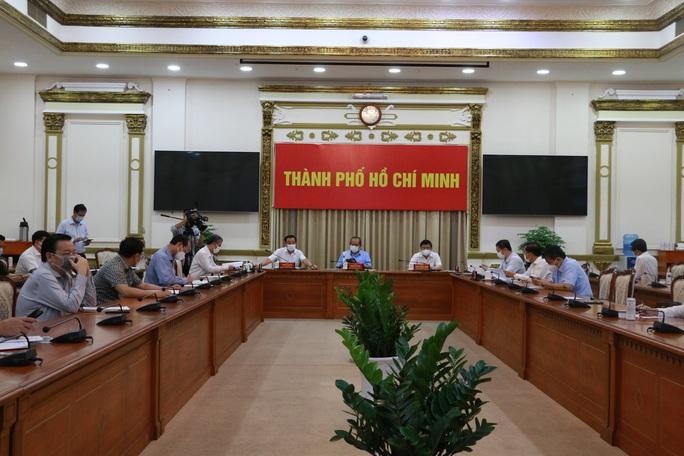 TP HCM giãn cách xã hội toàn thành phố theo chỉ thị 15 từ 0 giờ ngày 31-5 - Ảnh 1.