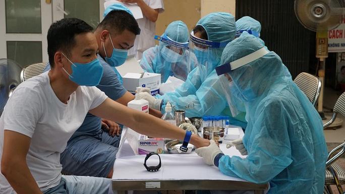 Hà Nội ghi nhận tổng cộng 47 ca Covid-19 liên quan chùm ca bệnh ở Đà Nẵng - Ảnh 1.