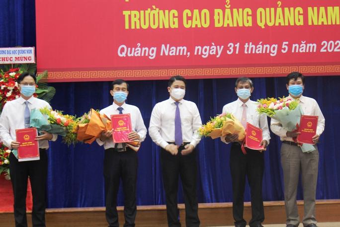 Quảng Nam ra mắt ban giám hiệu siêu trường cao đẳng - Ảnh 2.
