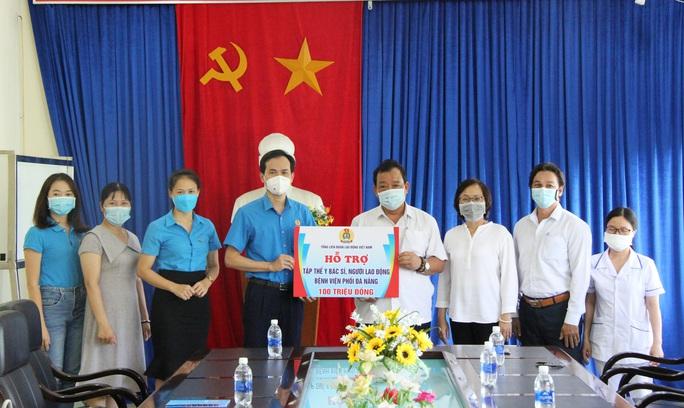 200 triệu đồng hỗ trợ đoàn viên Công đoàn khó khăn tại Đà Nẵng - Ảnh 2.