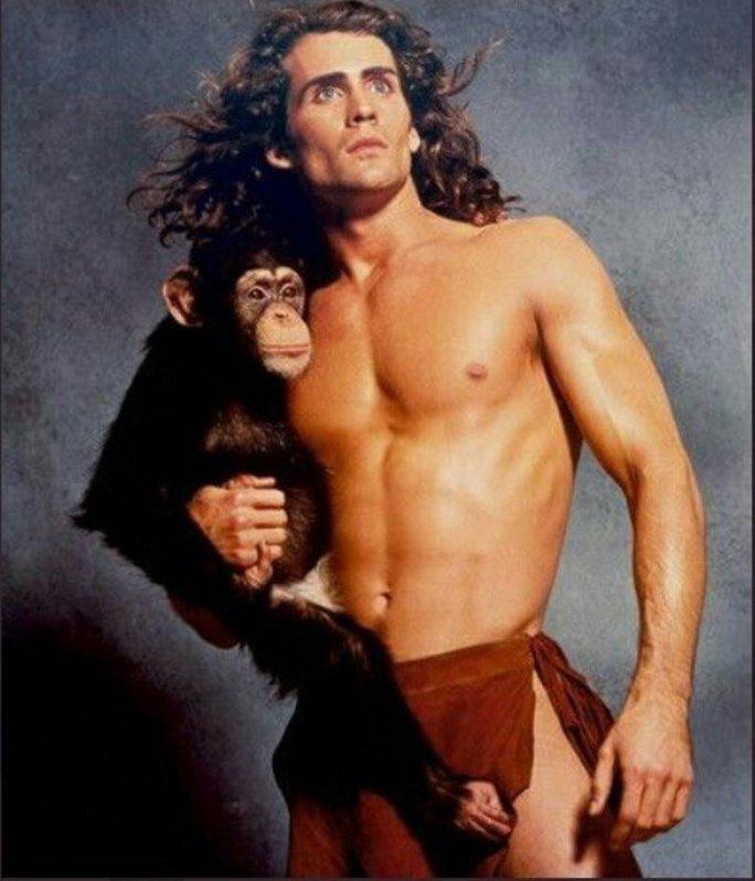 """Sao phim """"Tarzan"""" và vợ nghi thiệt mạng do máy bay rơi - Ảnh 1."""