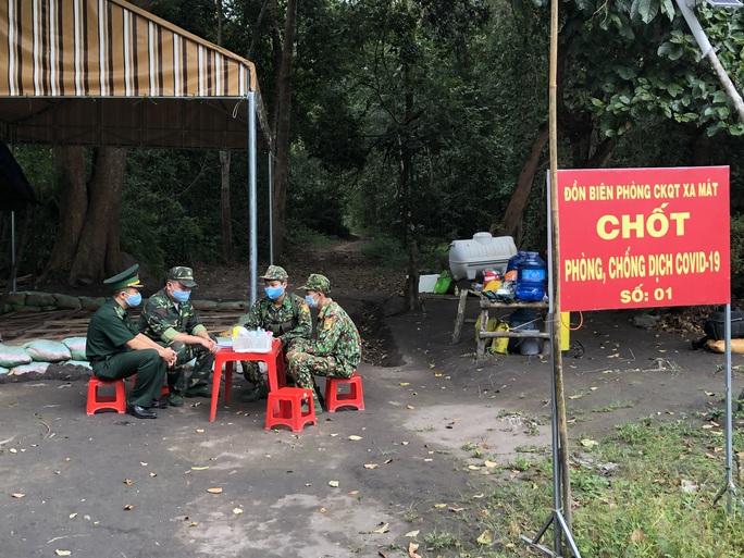 Tây Ninh tăng cường kiểm soát biên giới và phòng, chống dịch Covid-19 - Ảnh 2.