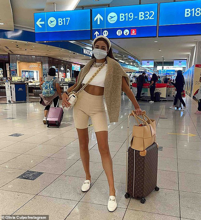 Chân dài Olivia Culpo khoe cơ bụng trong loạt ảnh bikini - Ảnh 4.