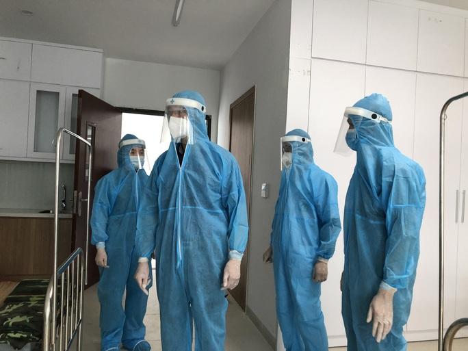 Bộ Y tế sẽ có hướng dẫn mới bàn giao người cách ly tập trung về nơi cư trú - Ảnh 2.