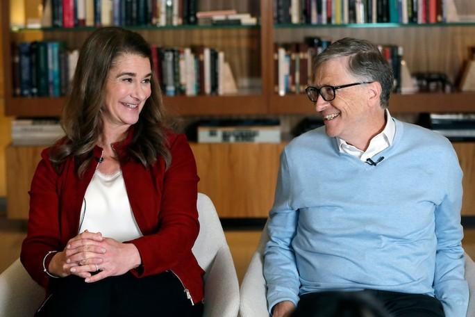 Tỉ phú Bill Gates và vợ ly hôn sau 27 năm chung sống - Ảnh 1.