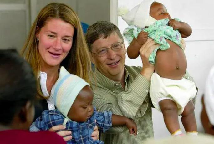 Tỉ phú Bill Gates và vợ ly hôn sau 27 năm chung sống - Ảnh 2.
