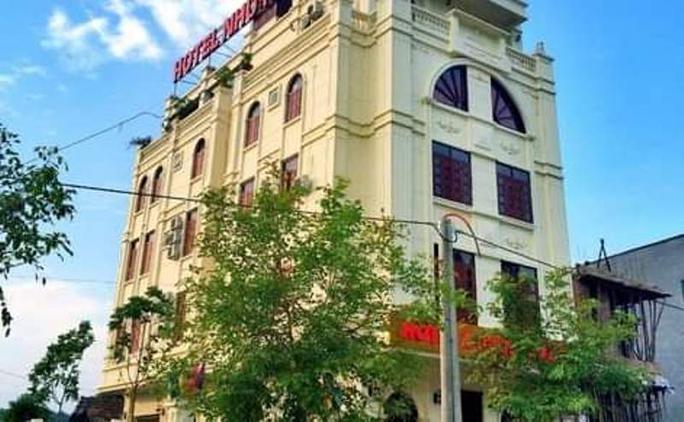 Cách ly 11 người Ấn Độ và Trung Quốc thêm 14 ngày tại khách sạn có 5 ca dương tính SARS-CoV-2 - Ảnh 1.