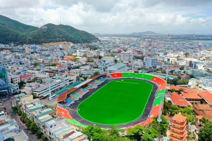 Đội tuyển bóng đá Việt Nam hủy kế hoạch tập huấn ở Quy Nhơn - Ảnh 2.
