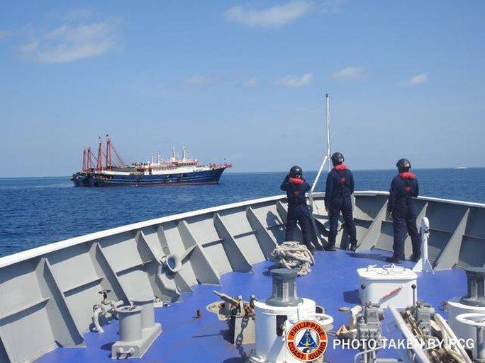 Biển Đông: Philippines phản đối lệnh cấm đánh cá của Trung Quốc - Ảnh 1.
