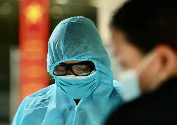 Lịch trình phức tạp của cô gái ở Đà Nẵng vừa phát hiện dương tính với SARS-CoV-2 tại Hà Nội - Ảnh 2.