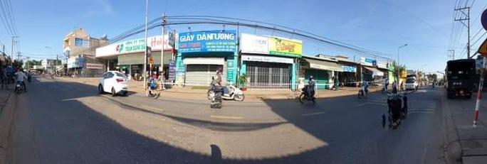 Liên quan nữ quán bar ở Đà Nẵng dương tính Covid-19: Đồng Nai phong tỏa hàng chục hộ dân - Ảnh 8.