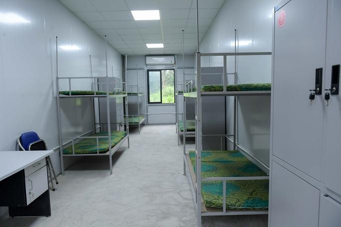 CLIP: Cận cảnh bên trong Bệnh viện dã chiến Mê Linh và sẵn sàng tiếp nhận 300 người F1 - Ảnh 9.