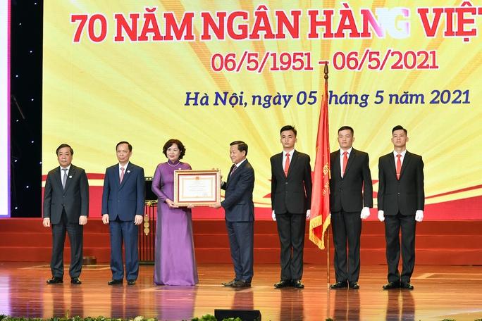 Tổng Bí thư Nguyễn Phú Trọng: Ngành ngân hàng là huyết mạch của nền kinh tế - Ảnh 3.
