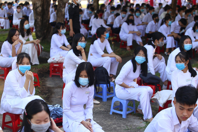Trừ Hội An, học sinh, sinh viên Quảng Nam đi học lại từ ngày mai - Ảnh 1.