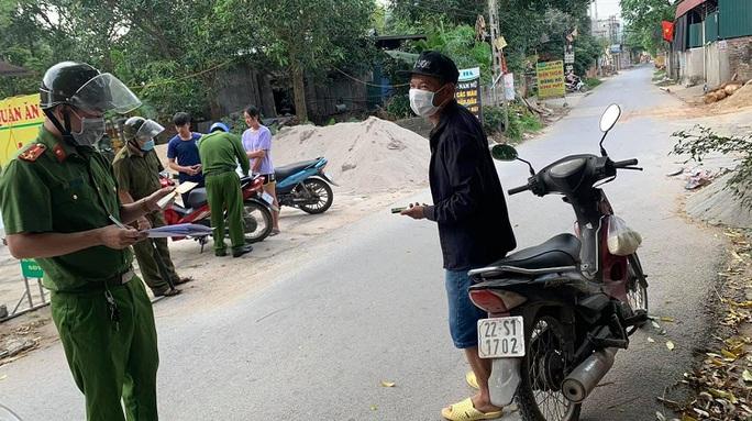 Một người Trung Quốc mất tích khi cách ly tại nhà, phát hiện ở khu nghỉ dưỡng - Ảnh 1.