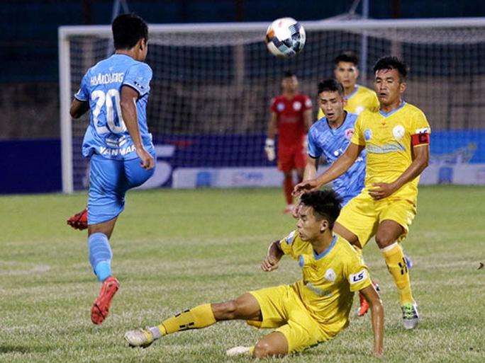 Khánh Hòa, Bà Rịa - Vũng Tàu cạnh tranh ngôi đầu bảng - Ảnh 1.