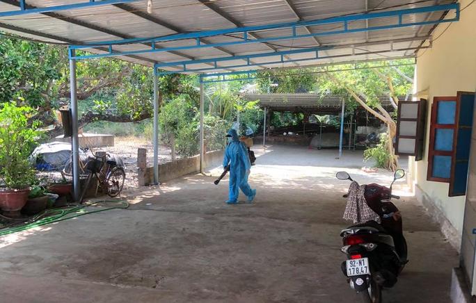 Quảng Nam xác định 22 F1 của ca dương tính ở Quảng Ngãi - Ảnh 1.
