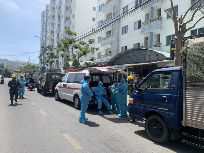 Đà Nẵng tiếp tục phong tỏa 1 chung cư gần 500 người ở do có ca nghi nhiễm Covid-19 - Ảnh 3.