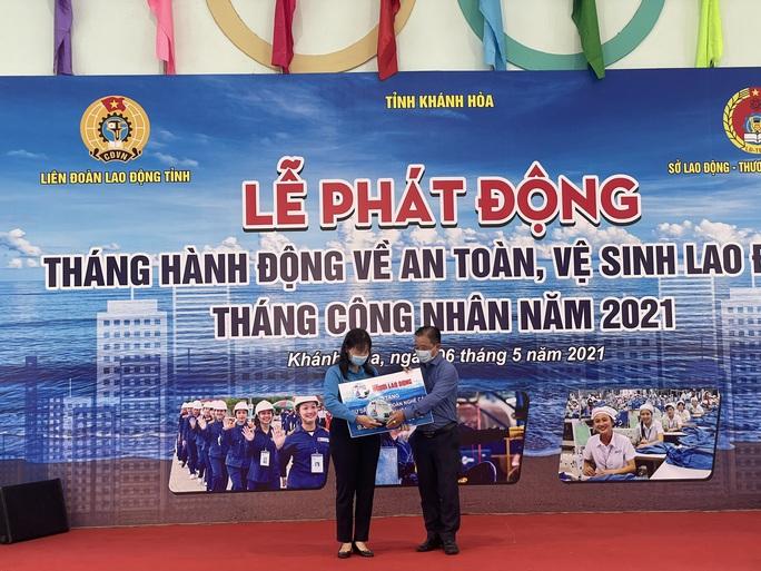 Báo Người Lao Động hỗ trợ công nhân bị tai nạn lao động ở Khánh Hòa - Ảnh 3.