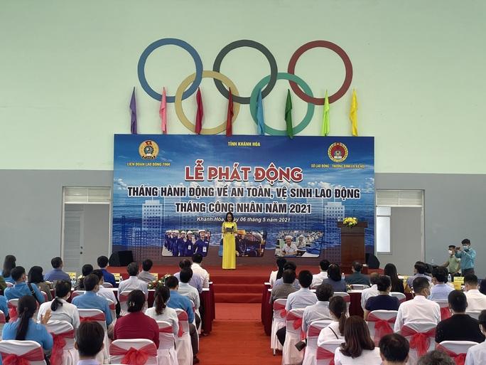 Báo Người Lao Động hỗ trợ công nhân bị tai nạn lao động ở Khánh Hòa - Ảnh 2.