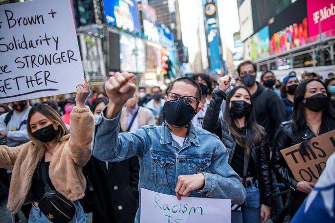 Mỹ: Thanh niên gốc Việt bị đâm chết vì không đeo khẩu trang - Ảnh 2.
