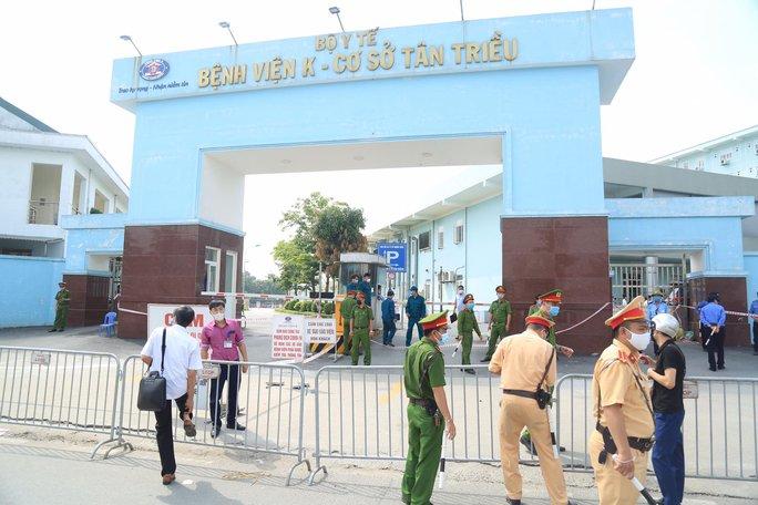 Ổ dịch tại Bệnh viện K phức tạp, 98.000 người quay lại Hà Nội sau dịp nghỉ lễ - Ảnh 2.