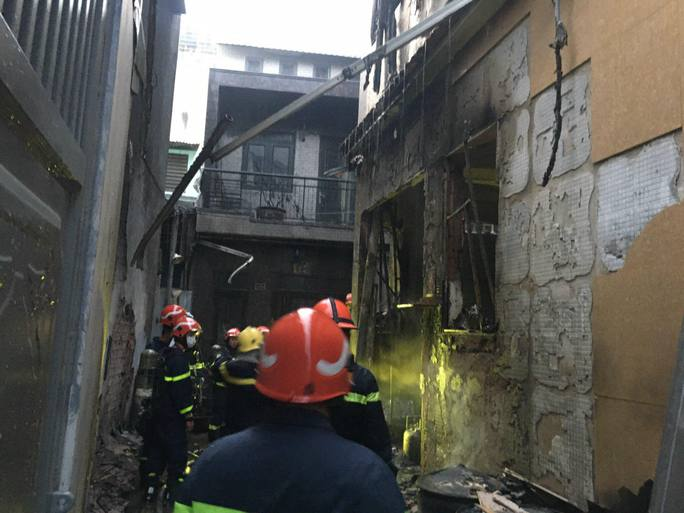 Tìm thấy 8 thi thể trong đám cháy nhà dân ở quận 11, TP HCM - Ảnh 6.