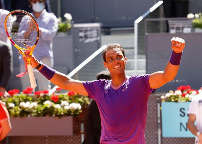 Rafael Nadal hồi sinh trên sân đất nện - Ảnh 1.