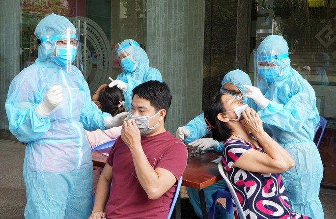 TP HCM: 56 học sinh, giáo viên một trường mầm non phải xét nghiệm Covid-19 - Ảnh 2.