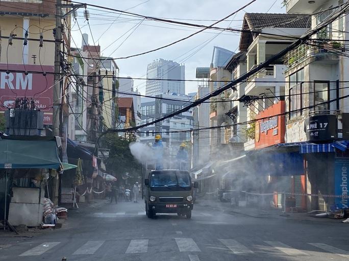 Phong tỏa toàn bộ khu chợ Đống Đa - Đà Nẵng - Ảnh 4.