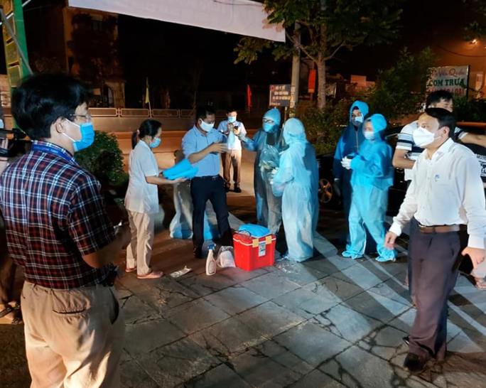 Lịch trình dày đặc của ca dương tính SARS-CoV-2 trong cộng đồng đầu tiên ở Nghệ An - Ảnh 1.