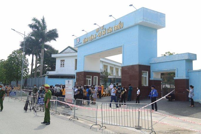NÓNG: 6 bệnh nhân và 4 người nhà tại Bệnh viện K dương tính SARS-CoV-2 - Ảnh 1.