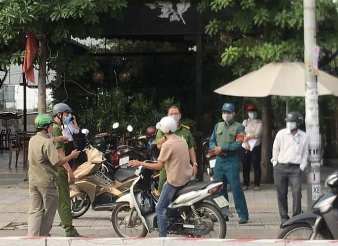 55 người ở TP Biên Hoà bị xử phạt vì không đeo khẩu trang nơi công cộng - Ảnh 2.