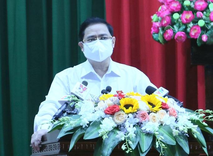 Thủ tướng Phạm Minh Chính kêu gọi người dân, cử tri chung tay chống dịch - Ảnh 1.