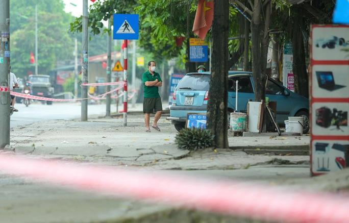 CLIP: 1 người đi Đà Nẵng về không khai báo y tế, 10 người trong gia đình mắc Covid-19 - Ảnh 7.
