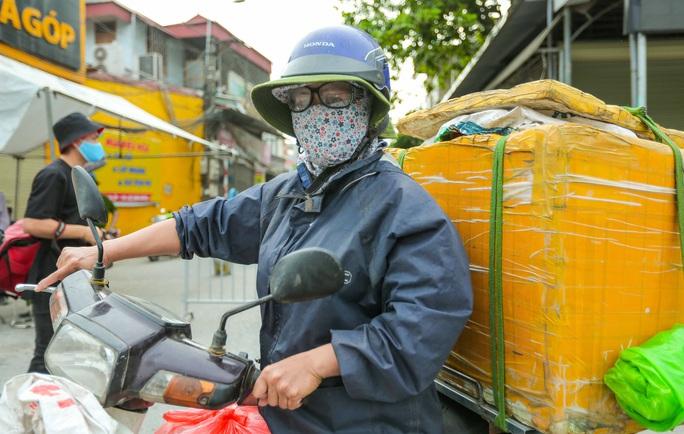 CLIP: 1 người đi Đà Nẵng về không khai báo y tế, 10 người trong gia đình mắc Covid-19 - Ảnh 9.