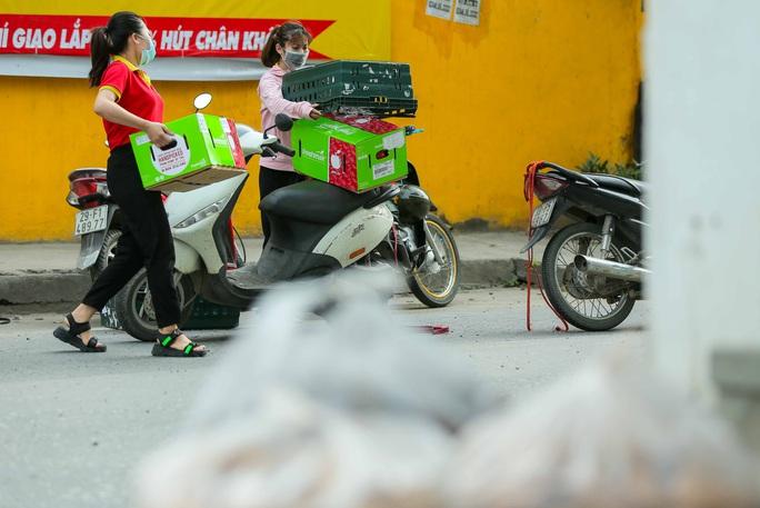 CLIP: 1 người đi Đà Nẵng về không khai báo y tế, 10 người trong gia đình mắc Covid-19 - Ảnh 6.