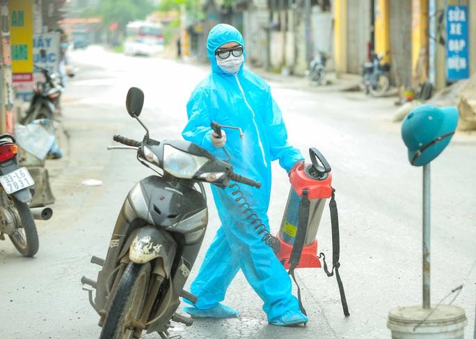 CLIP: 1 người đi Đà Nẵng về không khai báo y tế, 10 người trong gia đình mắc Covid-19 - Ảnh 10.