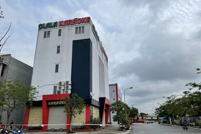 Sau New KTV, 1 quán karaoke ở đất Cảng lại bị phong tỏa - Ảnh 1.