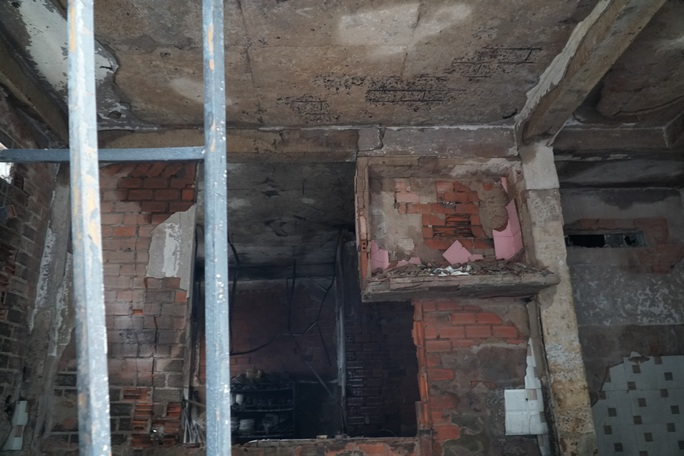 Vì sao 8 người trong vụ cháy ở quận 11 không thể thoát thân? - Ảnh 2.
