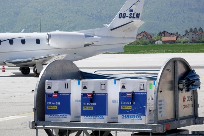 Đức: Nước khác khó sản xuất được vắc-xin dù chia sẻ công thức - Ảnh 1.