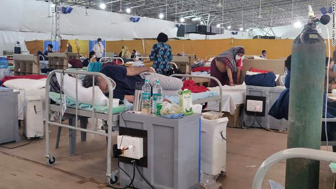Nghịch lý ở Ấn Độ: Trầy trật nhập viện, sống chết đòi xuất viện - Ảnh 2.