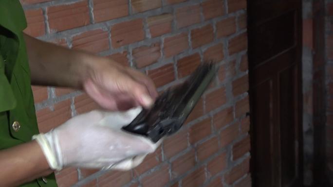 CLIP: Cảnh sát hình sự truy bắt nhóm cưỡng đoạt tài sản như phim hành động - Ảnh 7.