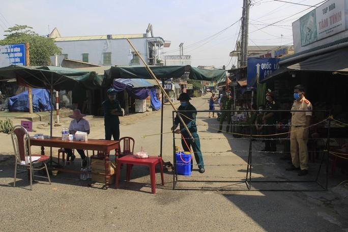 Bệnh nhân 3329 ở Quảng Trị đi nhiều nơi, uống cà phê ở quán Corona - Ảnh 1.
